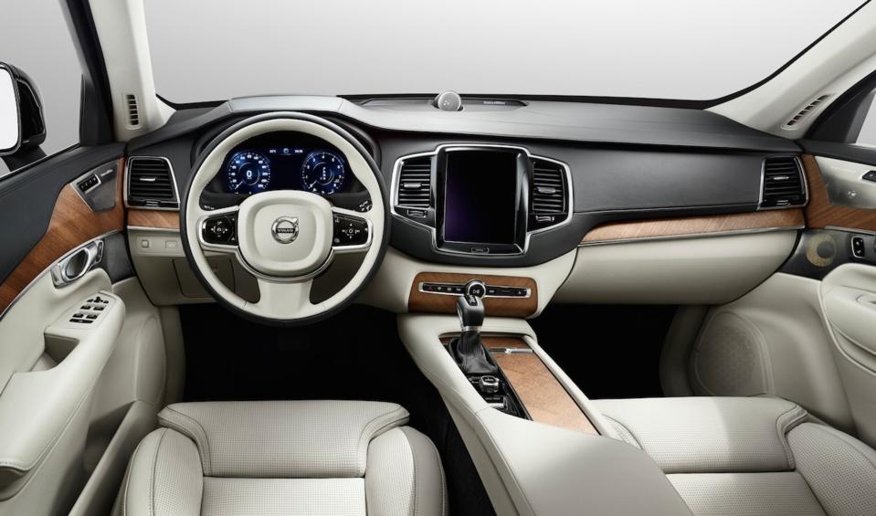 Volvo d voile l int rieur du nouveau xc90 volvo passion for Interieur xc90