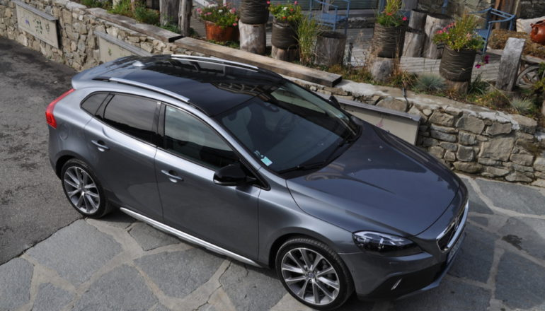 essai volvo v40 cross country d4 190 ch geartronic 8 puissance 4 volvo passion. Black Bedroom Furniture Sets. Home Design Ideas