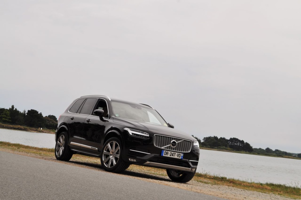 essai volvo xc90 d5 awd 225 ch inscription my16 la. Black Bedroom Furniture Sets. Home Design Ideas