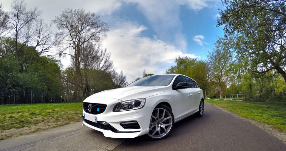 prise en main volvo v60 polestar t6 awd 350 ch my15 du caract re volvo passion. Black Bedroom Furniture Sets. Home Design Ideas