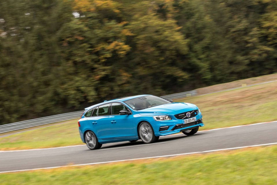 les volvo s60 et v60 polestar d barquent en france volvo. Black Bedroom Furniture Sets. Home Design Ideas